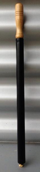 Bomba de aire, en negro, metal, puño de madera